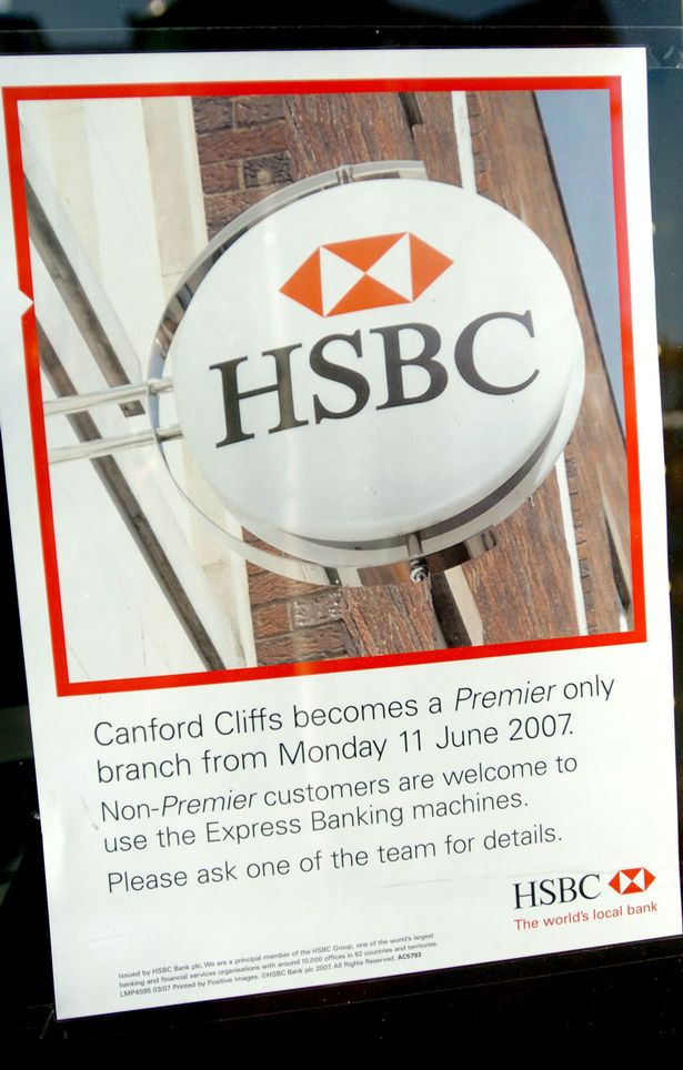 PAY-The-HSBC-bank-in-wealthy-Canford-Cliffs-area-of-Poole